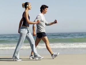 As caminhadas trazem além do emagrecimento, muitos outros benefícios ao corpo humano.