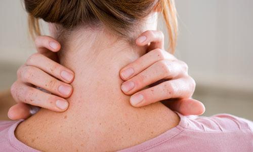 As dores musculares têm relação direta com o posicionamento incorreto da coluna cervical.