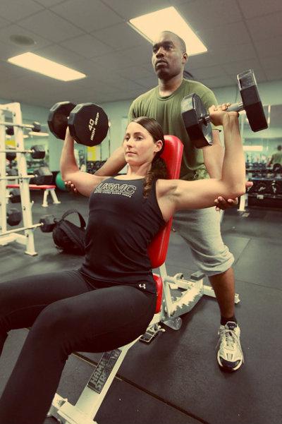 A musculação é benéfica tanto para ganho, quanto perda de peso.