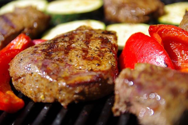 A carne vermelha é super indicada para quem deseja ganhar massa magra.