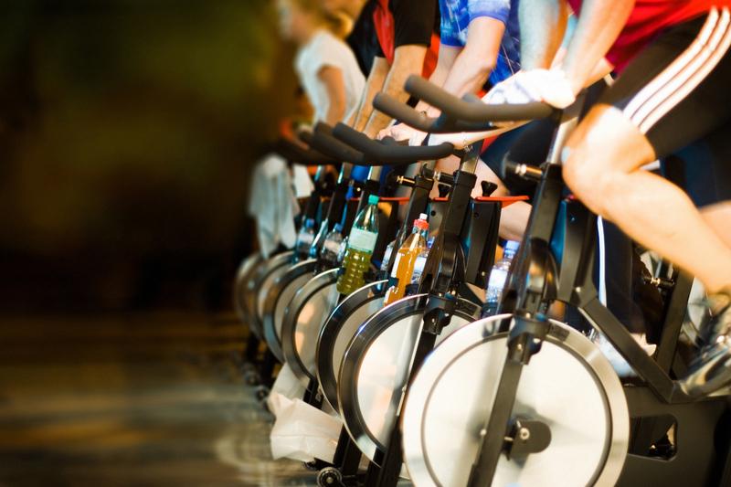 O spinning é uma atividade feita 3 vezes por semana que melhora inteiramente sua vida física e cardíaca
